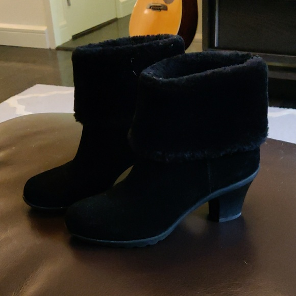 Anne Klein Sport Shoes - Black suede booties with faux fur tops